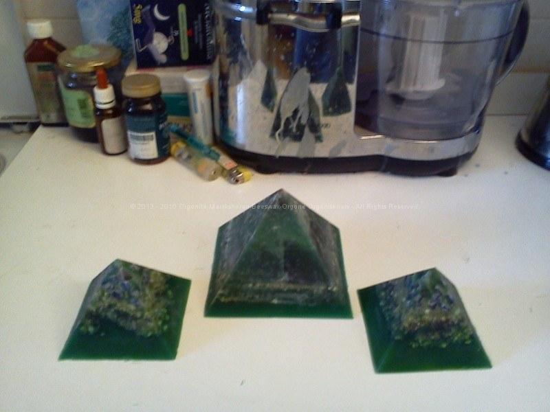 Piramidi 9 cm gemelle.