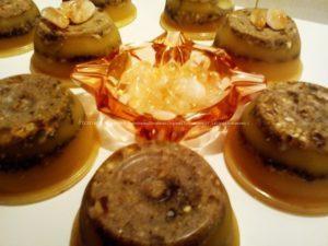 Orgonite Nturale in cera d'api con quarzo citrino, shungite grezza, e graniglia di quarzo citrino burattata nella parte superiore.
