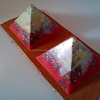 Orgonite Pyramid twins excellence 010