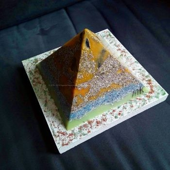 Last Christmas 17 cm pyramid orgonite