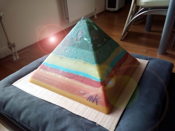 Election Day 24 cm pyramid orgonite