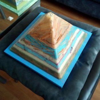 Jamaica 24 cm pyramid orgonite