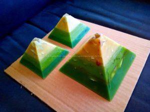 Orgonite pyramid set 004