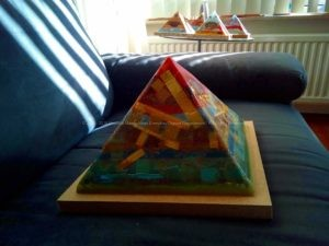 Orion Belt 24 cm piramide orgonite