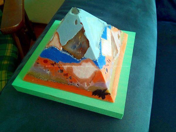 cultuurnachtRoermond 13 cm pyramid orgonite