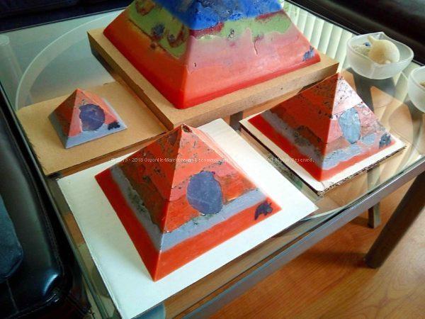 Mauritius - Giza pyramids orgonite set