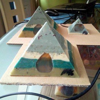 Amon Gizah pyramids orgonite set